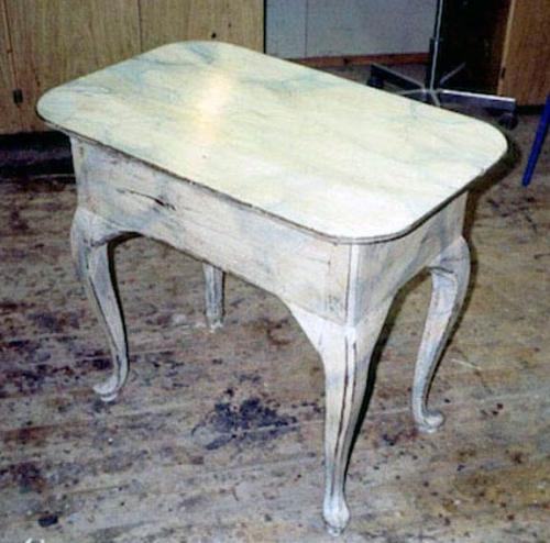 Bakkebord fra 1780, ny marmoreret.